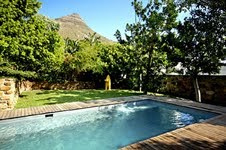 Maori Tree-House 2 Bedroom Flat Apartment Holiday Rental Property Luxyury Atlantic Letting pool image