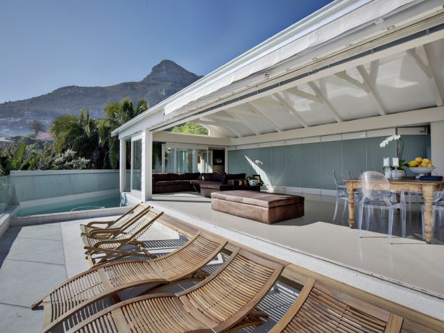 Clifton 4th Beach Bungalow 4 Bedroom Atlantic Letting beachfront holiday house Luxury Accommodation Atlantic Letting Cape Town photo