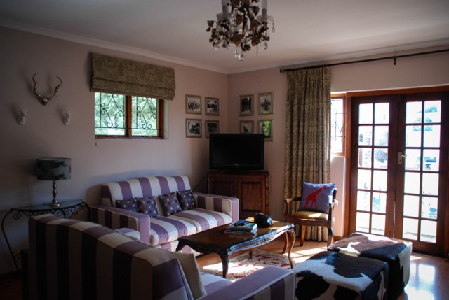 Bellevue Apartment 1 bedroom flat Atlantic Letting Holiday Apartment Luxury Accommodation Cape Town photo lounge