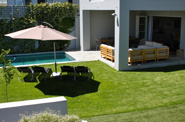 Fresnaye Charm Outside lawn Cape Town Holiday Accommodation Atlantic Letting Luxury Rental Photo